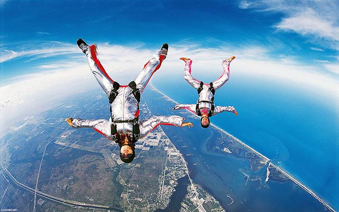 Najważniejsze informacje na temat skoków spadochronowych