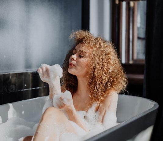 Jak naturalne mycie twarzy może wpłynąć na cerę