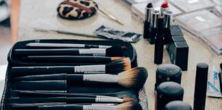 Jak wybrać profesjonalny kuferek do makijażu